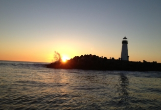 santacruz-lighthouse-at-sunset